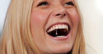 Giantess Swallows Shrunken Men
