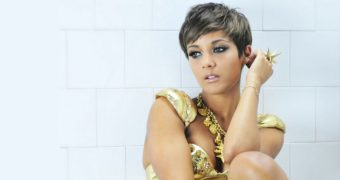 Frankie Bridge Wallpaper