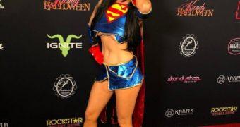 Carla Howe - Cosplay Superman