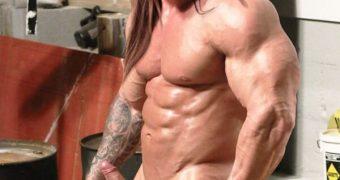 Victoria Justice (Bodybuilder men)
