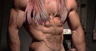 Ariana Grande (Bodybuilder men)