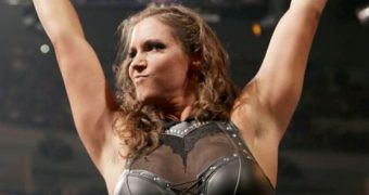 Stephanie McMahon - WWE Diva - Hottest and Sexiest Pics