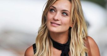 Carolina Crescentini Italian Nude