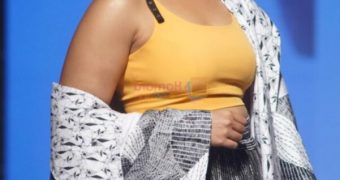 Huma Qureshi- Busty Voluptuous Indian Bollywood Celeb Sexy Poses