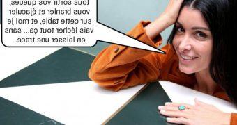 French caption (Fran�ais) Jenifer aime le cul et... Le cul.