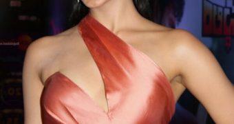 Kiara Advani - Gorgeous Indian Celeb at Zee Cine Awards Event