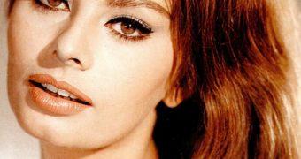 Retro Cleb - Sophia Loren (colour pics)
