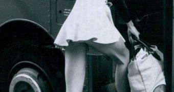 Retro Cleb - Jilly Johnson (Blonde on Blonde)