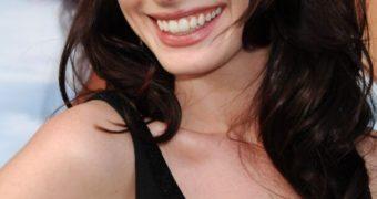 Sweaty - Anne Hathaway