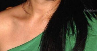 Anjana Sukhani - Curvy Indian Celeb at Country Club Celebrations