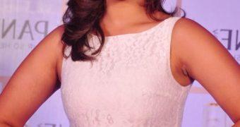 Parineeti Chopra - Sexy Indian Celeb In White Dress At Mumbai