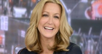 Lara Spencer GMA Looking Hot