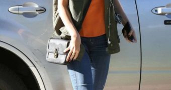 Selena Gomez in Tight Jeans going to meet a friend in Calabasas
