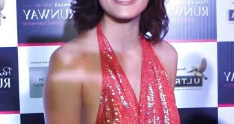 Mandana Karimi- Hot Indian Model ramp walk at Pernia Pop Up Show