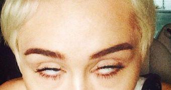 Miley Cyrus has SLUTTY FACES!