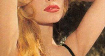 Brigitte Bardot sissy captions