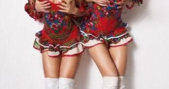 VIP-dancers Poklonskaya and Volk in french cabaret