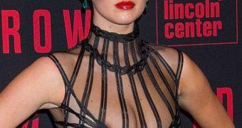 Jennifer Lawrence nipslip