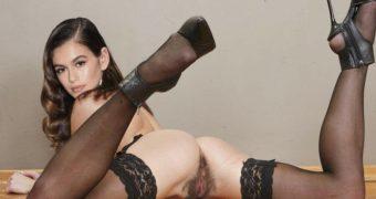 Kaia Gerber (Nude Fakes)