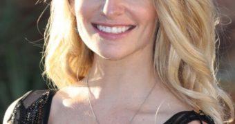 Cody Renee Cameron : busty blonde actress