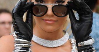 Rita Ora in sexy gloves