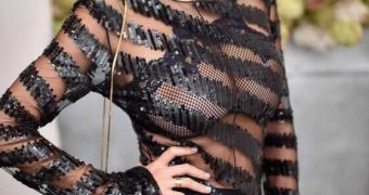 Caroline Vreeland : Seethru big boobs