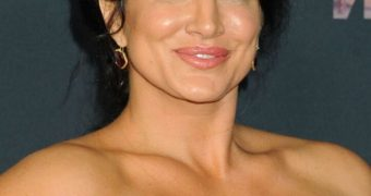 Gina Carano- Busty Muscular Hollywood Babe with Big Arms, Curves