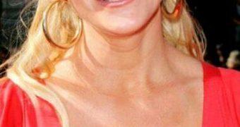 "Famous Gals: Carrie ""DD"" Keagan"