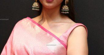 Aditi Rao Hydari- Beautiful Indian Bollywood Celeb in Pink Saree