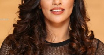 Akshara Gowda- Stunning Indian Diva Sizzles in Transparent Dress
