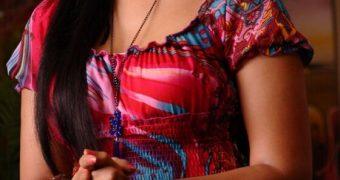Anushka Shetty - Busty Curvy Indian Telugu Celeb in Ragada Movie