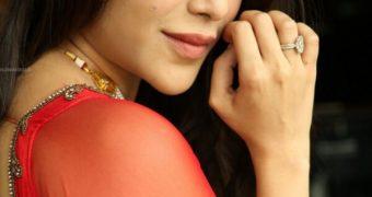 Angela Krislinzki- Curvy Indian Telugu/Bollywood Celeb Hot Poses