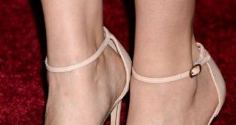 Lauren Cohan Feet