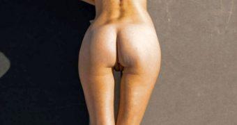 elizabeth elam magazine nude shoot