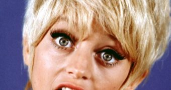 Goldie Hawn Cum Facial Fake