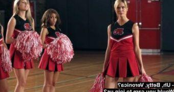 Toni Riverdale Cheerleader