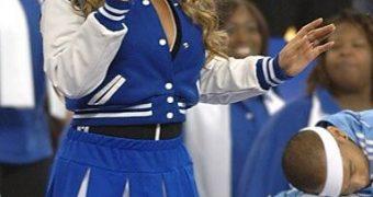 Mariah Cheerleader and Legs