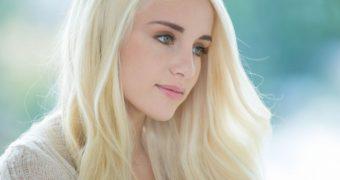 Naomi Woods is the Khaleesi [restored]