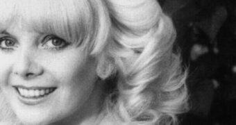 Famous Gals: Sheila White