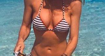 Monica Pont - Spanish MILF at the beach