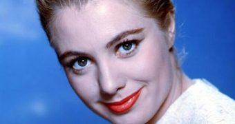 Famous Gals: Shirley Jones