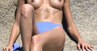 Celebrities topless beach