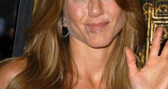 Jennifer Aniston facial fakes