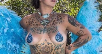 Danielle Colby Cushman... makes me hard!