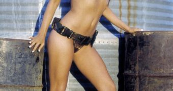 Carmen Electra junkyard