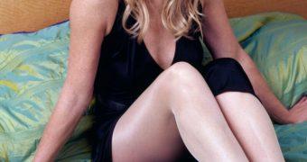 Celeb Michelle Collins GILF in Pantyhose
