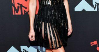 Alison Brie deep v dress puts her huge tits on display